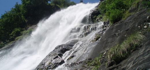 1024px-Partschins_Wasserfall3