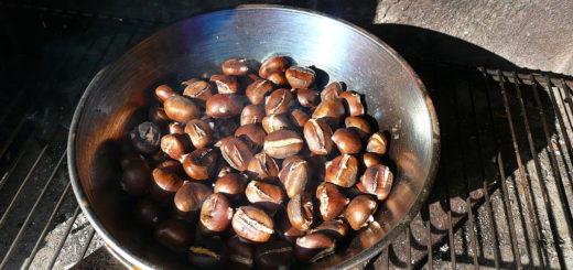 1024px-caldarroste_geroestete_kastanien_roasted_chestnuts